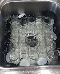 Sanitizing Jars and Lids